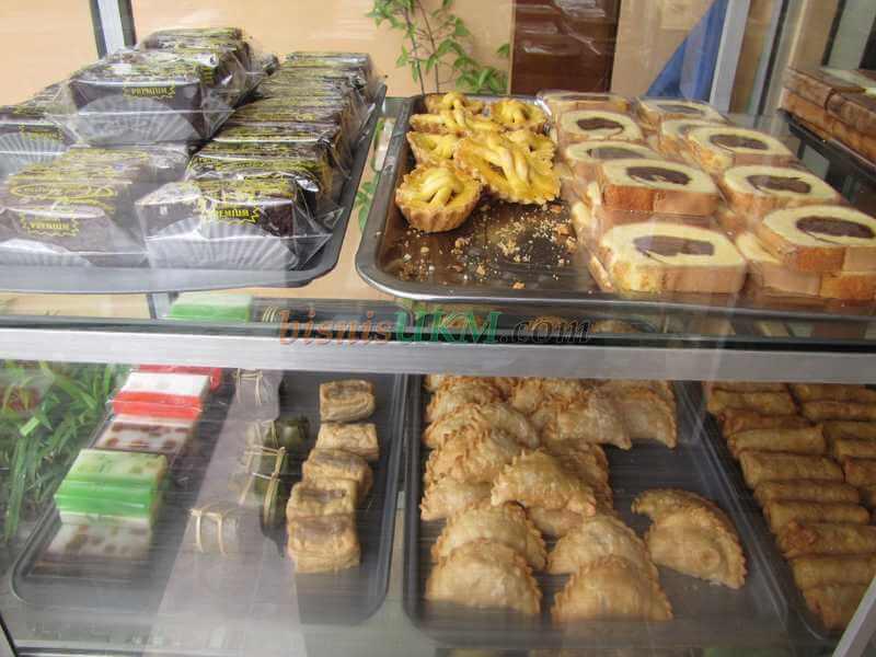 Bisnis Snack Dan Kue Dari Dapur Sendiri