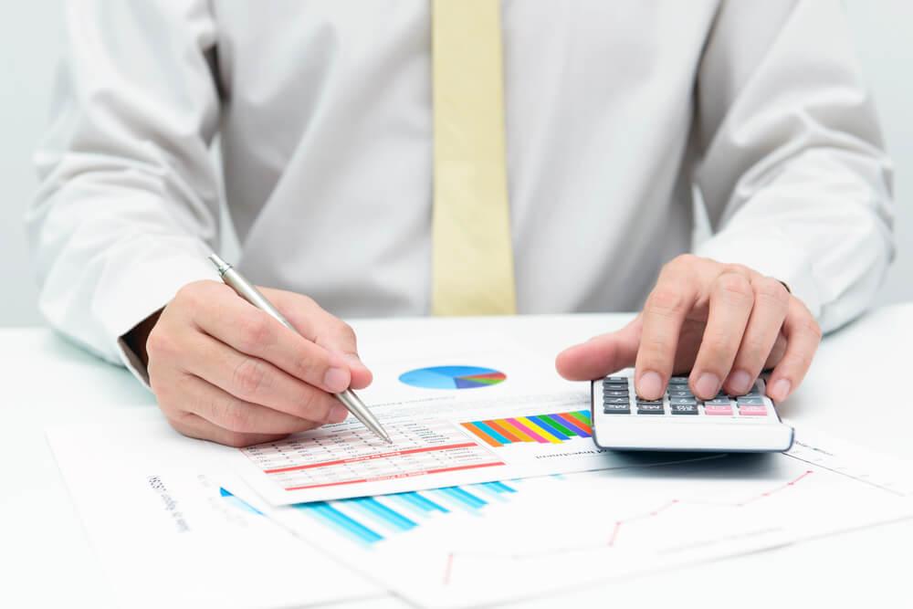 Membuat anggaran bisnis