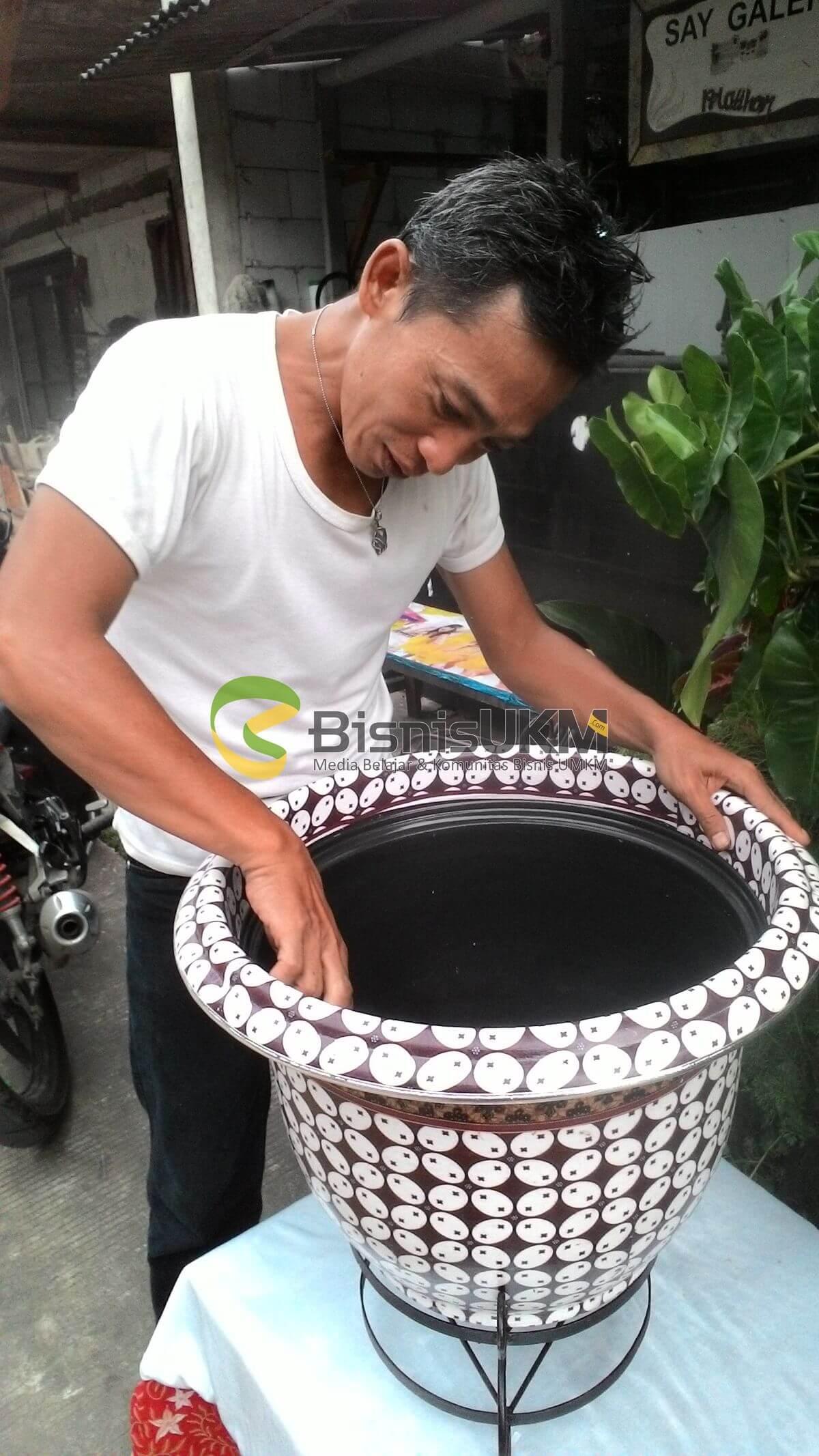 Bisnis Kerajinan Pot Batik