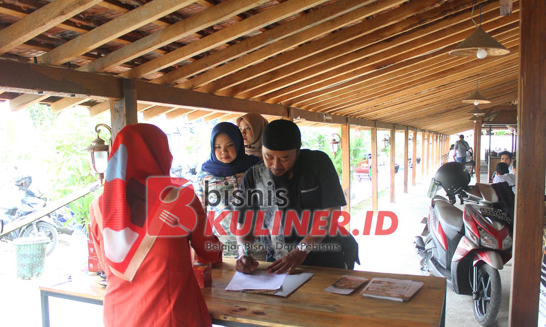 Registrasi peserta kopdar foodpreneur