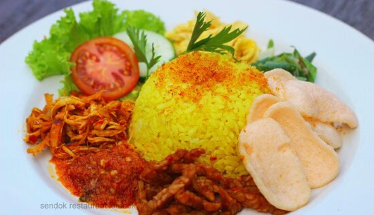Mencicipi Peluang Usaha Nasi Kuning, Menu Sarapan Pagi