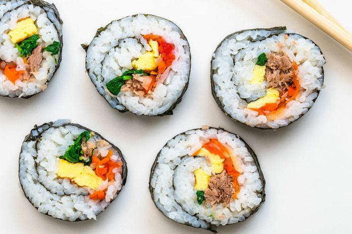 Sajian Sushi
