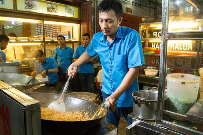 Bisnis Sampingan Malam Hari Jual Nasi Goreng Gerobak